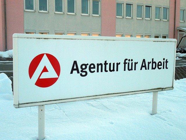 Schild Bundesagentur für Arbeit